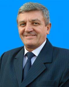 Victor Tiberiu Stoica, primarul comunei Pui