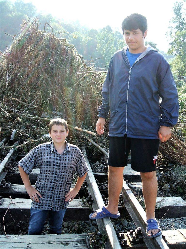 Cu Iura, în august 2008, după cele mai grele inundații din ultimii 15 ani. Într-un sat în care Vișeul se varsă în Tisa, deci inundațiile sunt dese.
