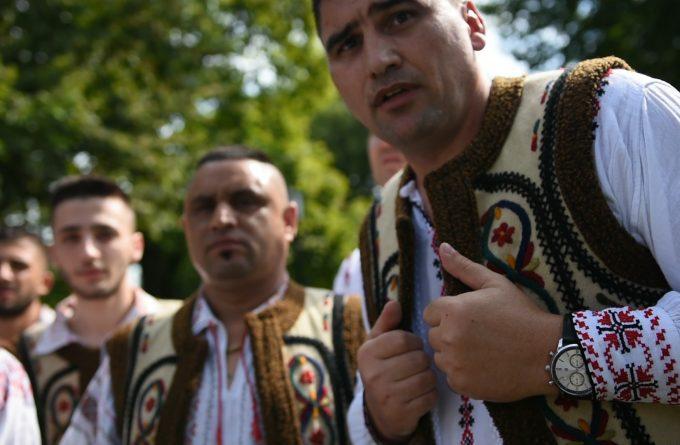 70 de deținuți i-au cântat doine de dragoste ministrului Justiției