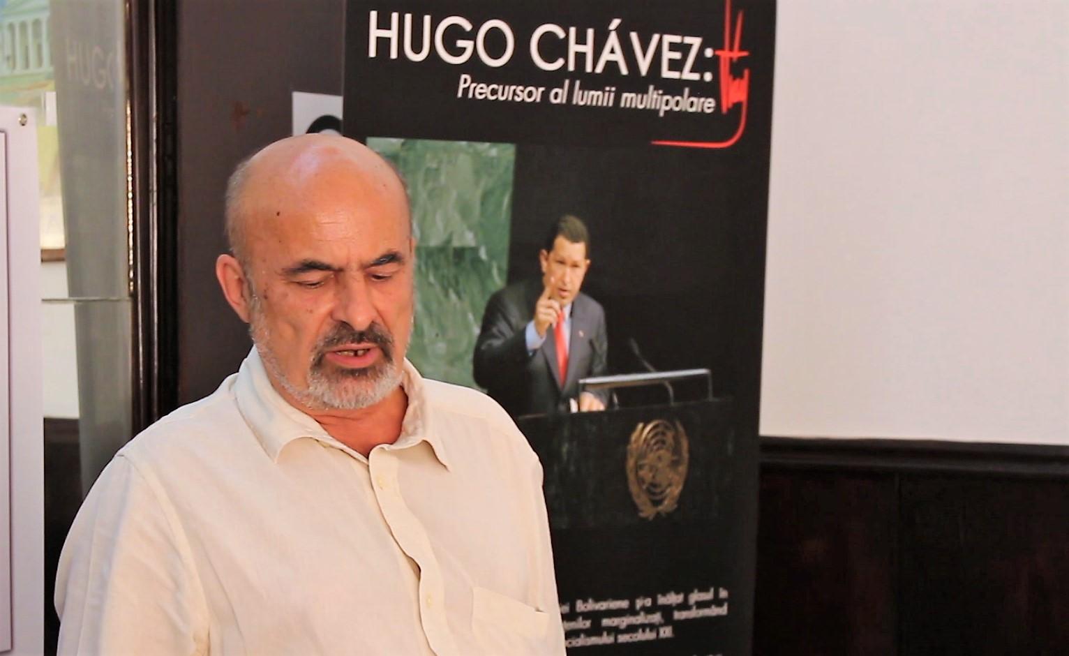 Gheorghiţă Zbăganu, figură de seamă a comunismului românesc contemporan. În plan scund, Hugo Chavez, mare comunist și el.