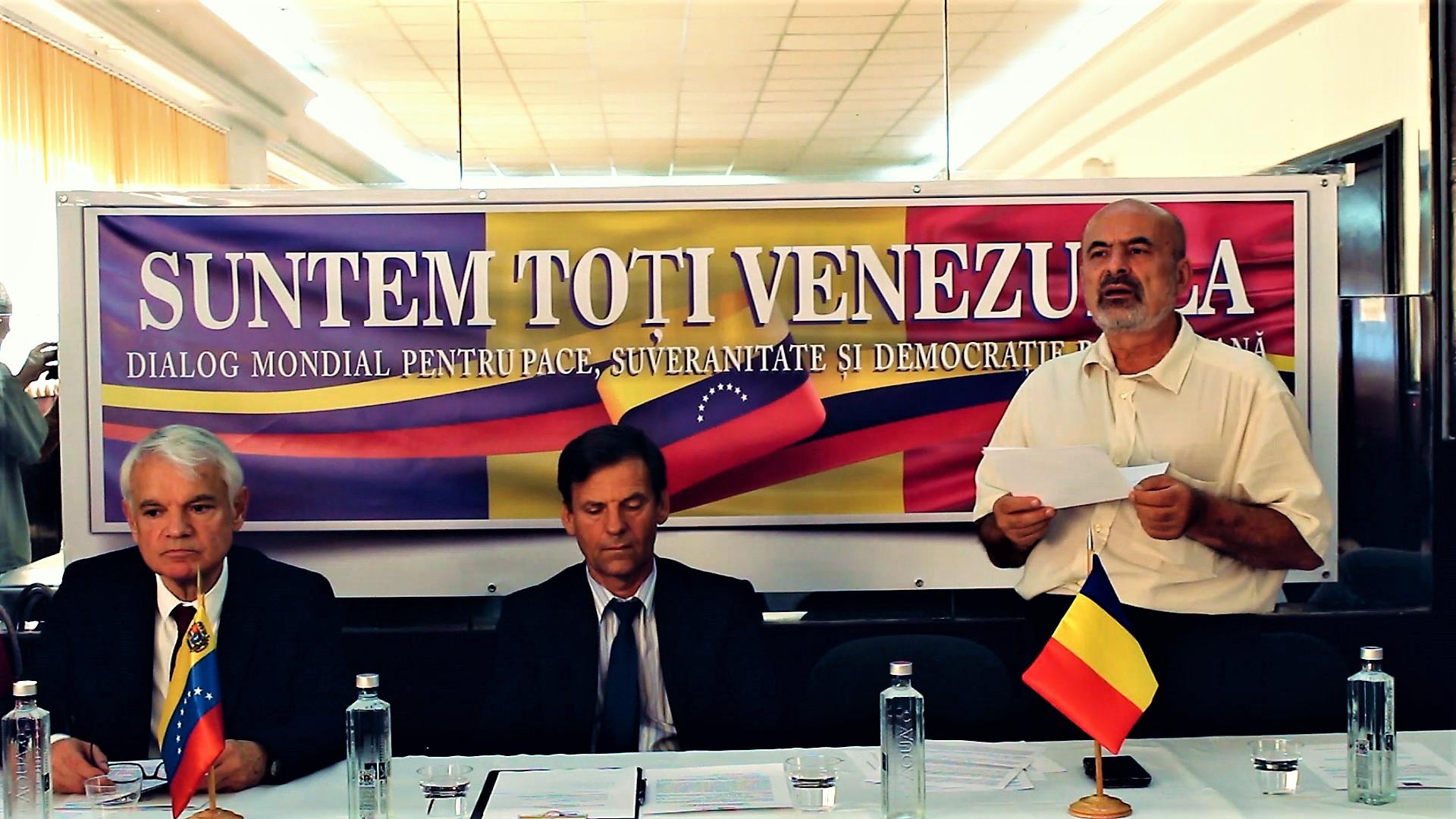 De la stânga la dreapta: Victor Carazo (ambasadorul Venezuelei în România), Petre Ignatencu (președintele noului Partid Comunist Român) și Gheorghiţă Zbăganu (membru în Biroul Executiv al Partidului Socialist Român)