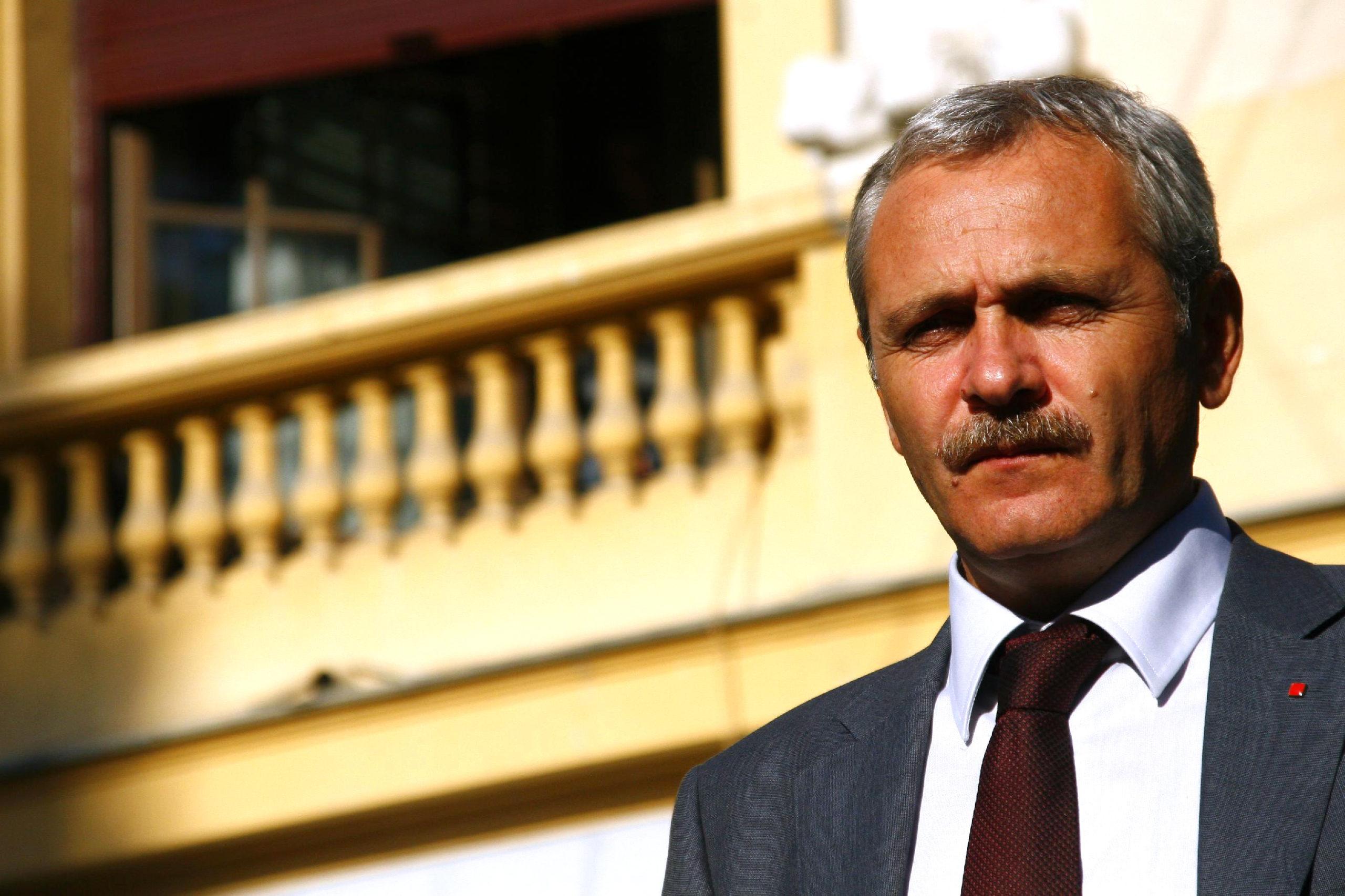 Liviu Dragnea, la începuturile ascensiunii sale politice. FOTO: Octav Ganea/ MEDIAFAX