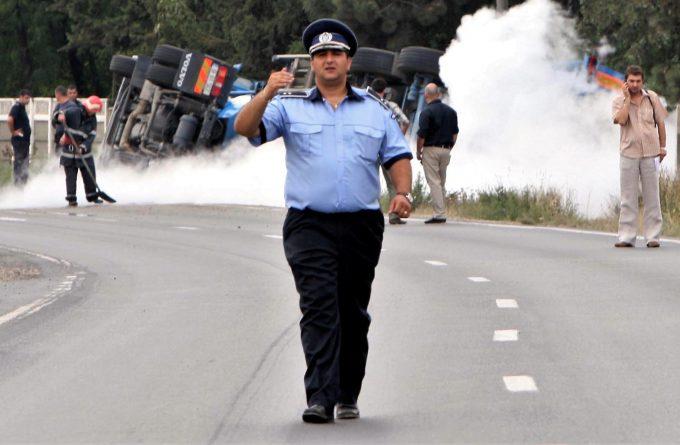 HARFELE SĂPTĂMÂNII. Capitulare totală în fața bandiților: polițiștii de mâine nu vor mai fi deranjați la examene cu probe fizice