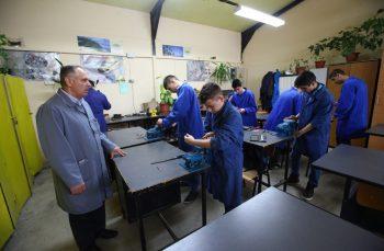 România meseriașă. Cum ne-am putea salva țara cu școlile profesionale