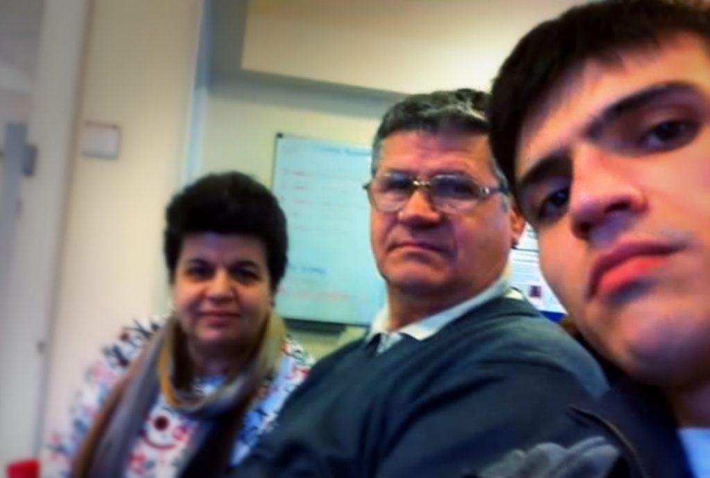 Domnul Nelu, împreună cu soția și cu fiul său