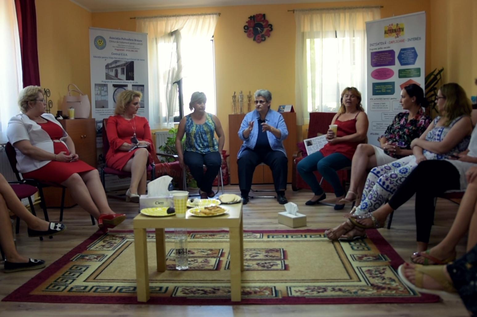 Rețeaua Învingătoarelor: mai multe femei abuzate de partenerii de viață se întâlnesc și își spun poveștile. FOTO: Recorder