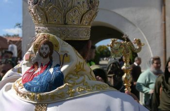 VIDEO. Weekend-ul în care românii au fluierat în Biserică