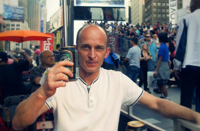 VIDEOREPORTAJ DIN NEW YORK. Omul cu naveta a emigrat și are un mesaj pentru Liviu Dragnea