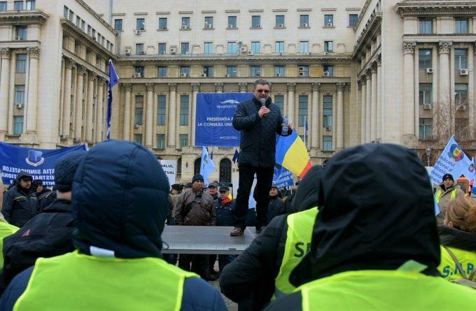 """Revolta polițiștilor: """"Când un infractor ca Vâlcov face bugetul, normal că nu dă niciun ban pentru noi"""""""