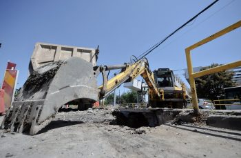 București, orașul tuturor posibilităților: milioane de euro către o firmă de publicitate care vinde beton și alte contracte dubioase din bugetul Capitalei