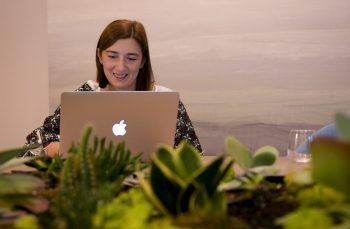 Cum poţi schimba lumea pornind de la un grup de Facebook