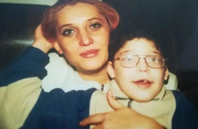 """Lupta Adelei și a lui Kuky: """"Nu există copii cu dizabilități și copii normali. Există doar copii"""""""