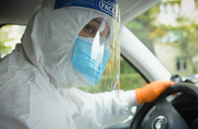 VIDEO. Ambulanțierii pe timp de pandemie. Ce înseamnă o intervenție la un caz Covid 19