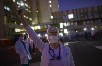 Vinovați cu toții? Trei medici vorbesc despre criza din sistemul medical