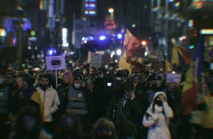"""""""Revolta celor uitați"""". De ce extremismul prinde puteri în România"""