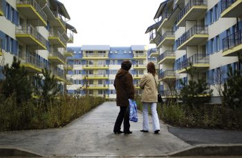 Casele noastre scumpe și strâmbe. Cât ne costă indiferența față de confort